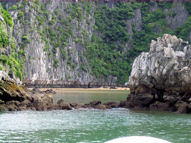 Formación de pequeñas playas en las islas