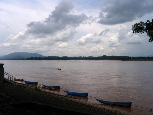 El Mekong desde Tailandia, delante Laos