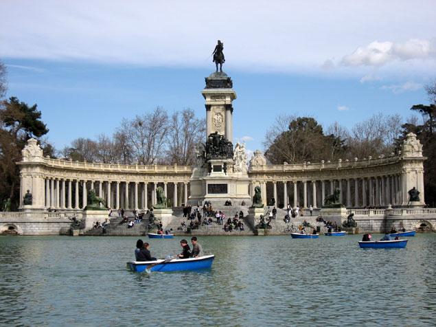 Estanque de El Retiro , que hacer en Madrid