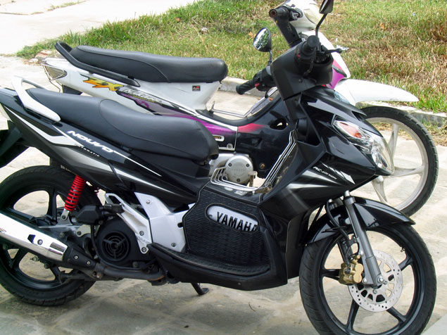 Nuestra moto en Hoi an (Vietnam)