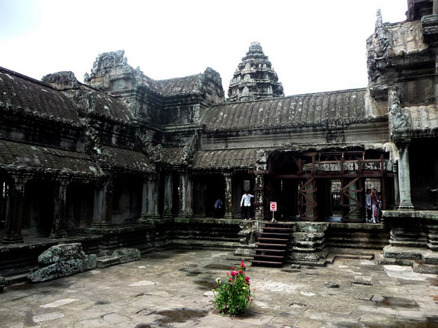 Patio interior del mas famoso templo de Angkor