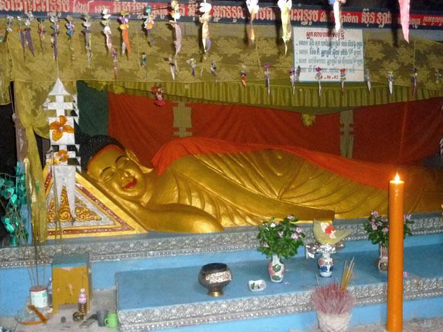 Buda acompañando los restos mortales de algunas víctimas