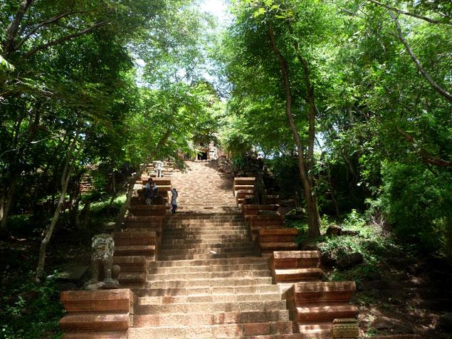 Últimas escaleras hacia el Templo