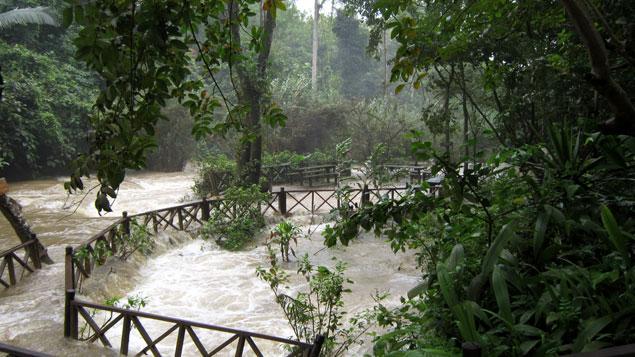 Pasarelas inundadas