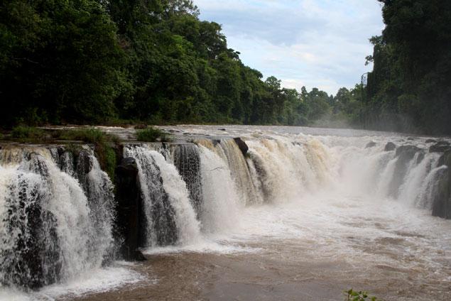 Impresionante torrente de agua