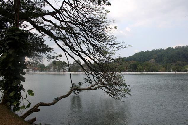 El precioso lago de Kandy
