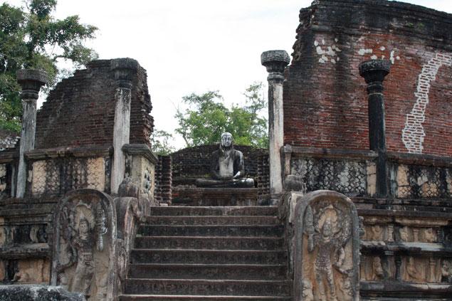 Budas en las entradas
