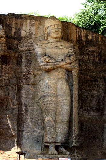 Enorme Buda