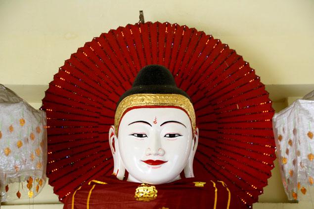 Buda en Yangon