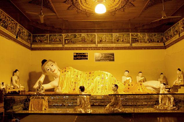 Buda reclinado , shwedagon Paya