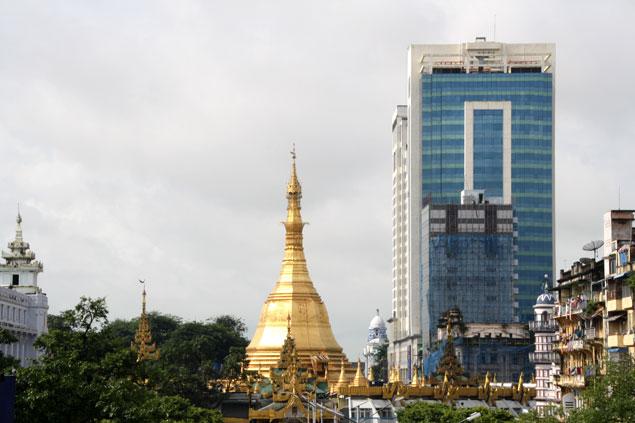 Itinerario por Myanmar , Yangon y la Sule Paya