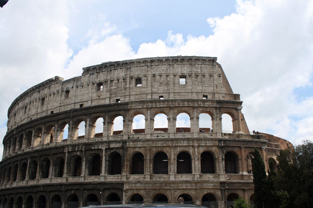 Fachada del Coliseo de Roma