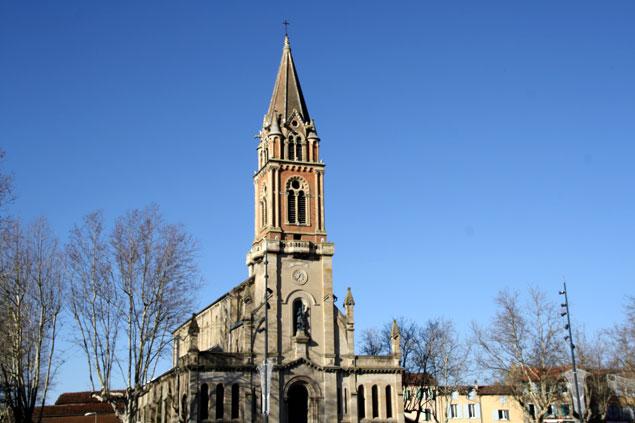 Una de las iglesias de Castres