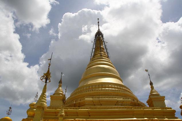 Gran estupa dorada