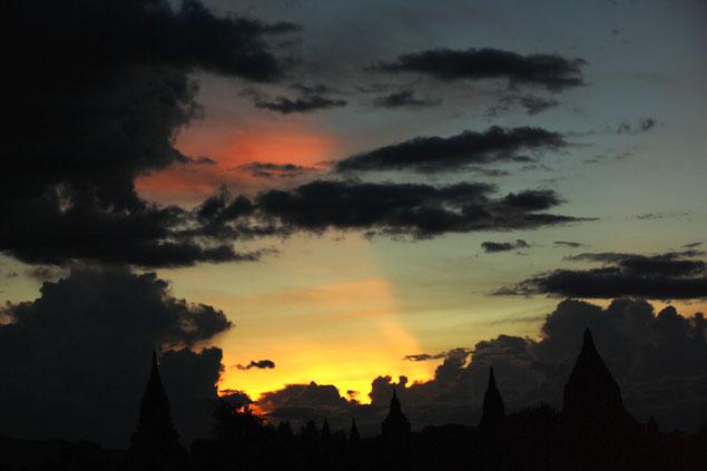 Vistas de Bagan al atardecer