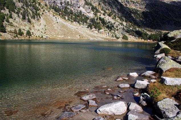 Aguas calmadas del lago