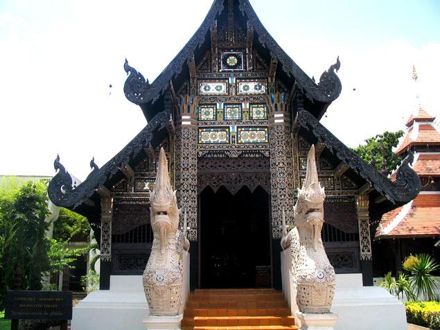 Edificio donde encontramos la imagen del monje