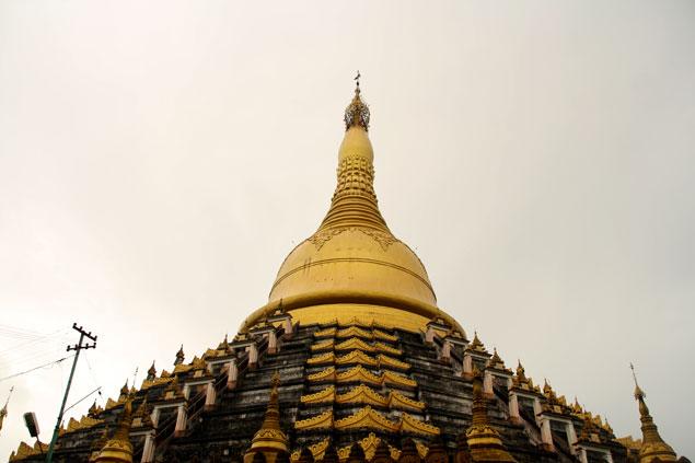 Que ver en Bago (Estupa Mahazedi)