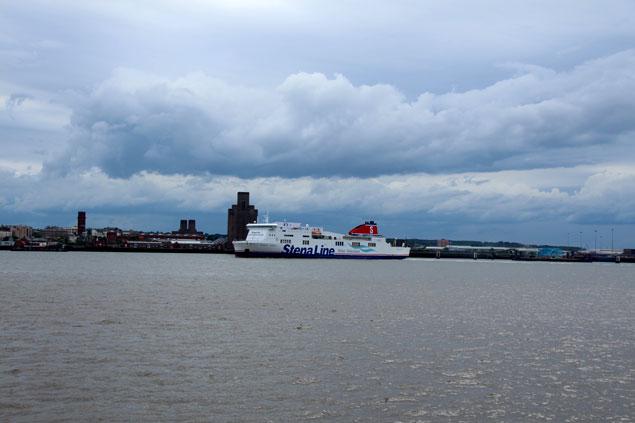 Ferry sobre el río Mersey