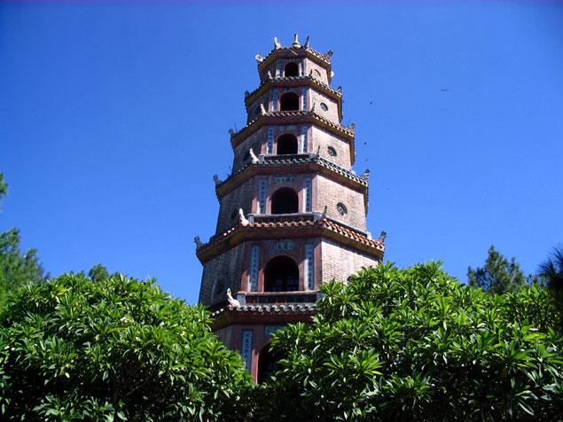 Pagoda Thien Mu en el Río del Perfume