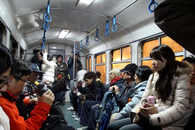 Gente adormilada camino de Chushan