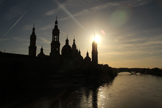 Basílica del Pilar al atardecer