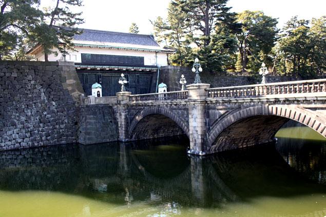 Puente sobre el foso