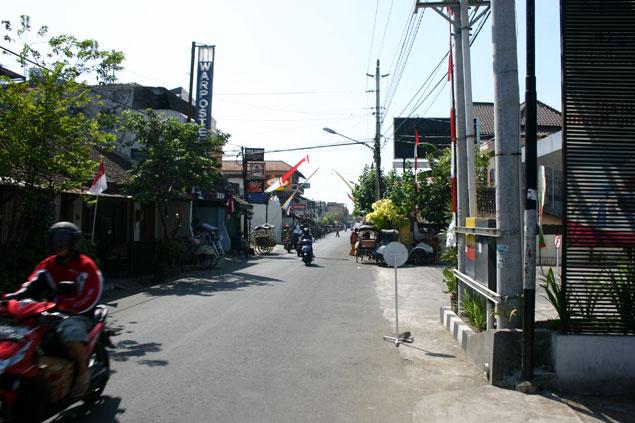 Calle de mochileros