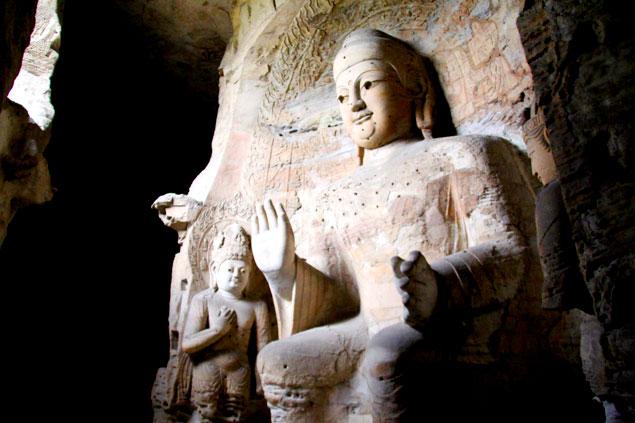 Gran Buda en las cuevas