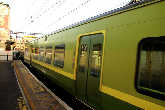 tren de la línea DART