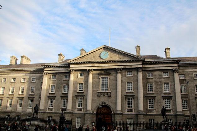 Fachada del Trinity College