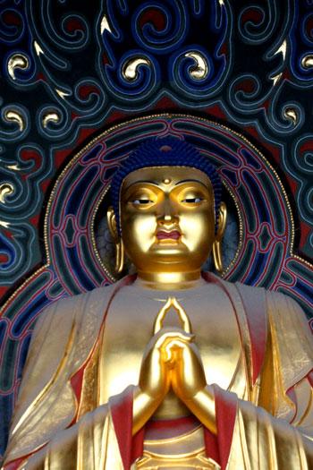 Gran Buda en el monasterio