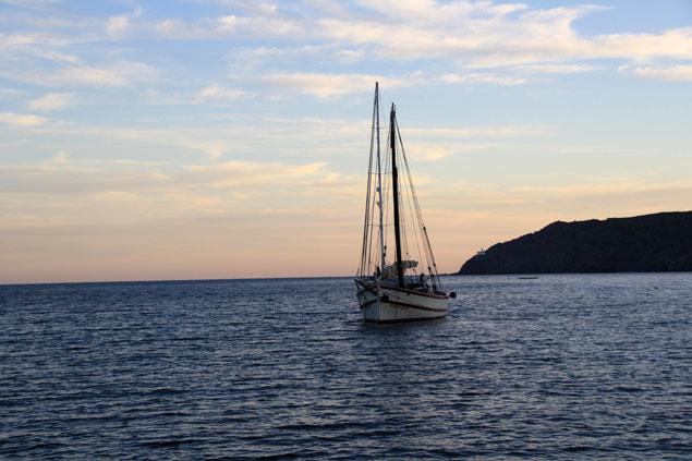 Costa de Cadaqués al atardecer