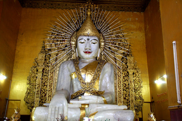 Gran Buda de mármol