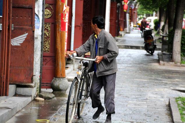 la bicicleta es el medio de transporte local