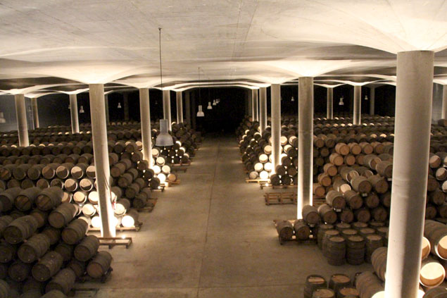 Impresionante sala de barricas