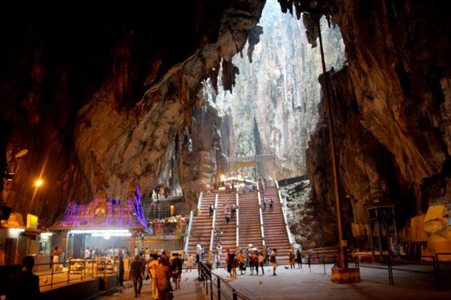 Interior de la cueva principal