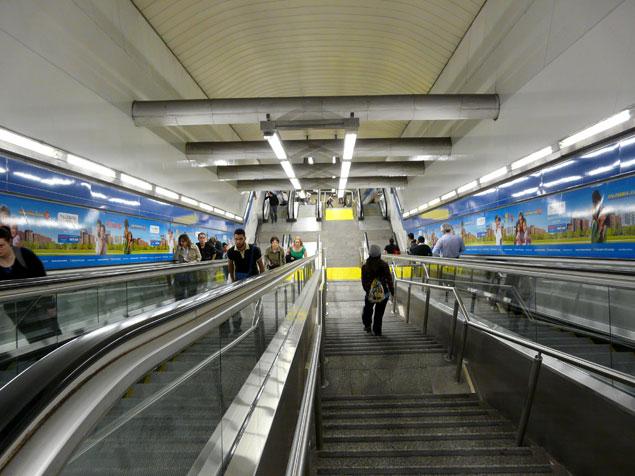 Escaleras del metro zona caliente