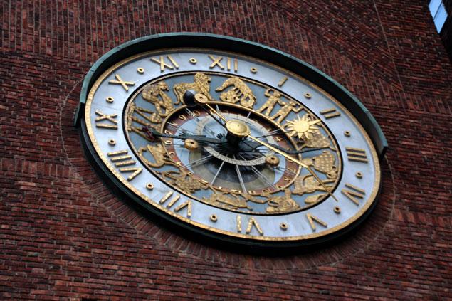 Reloj del ayuntamiento de Oslo
