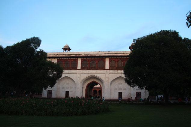 Edificio en el interior de estilo Mogol