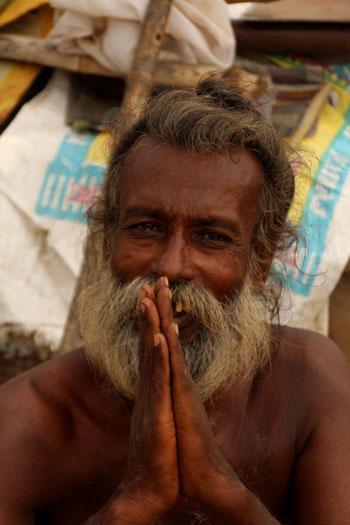 Peregrino en el Assi Ghat