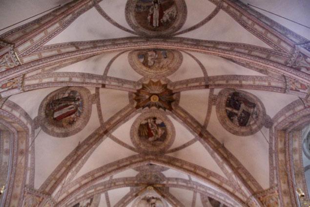 Interior de la iglesia de Santa Clara