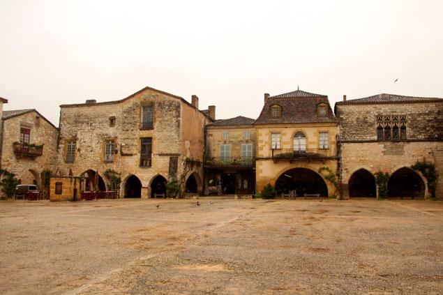 Ruta por el Perigord-Dordoña (Centro de Monpazier)
