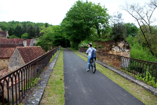Pedaleando por las vías verdes