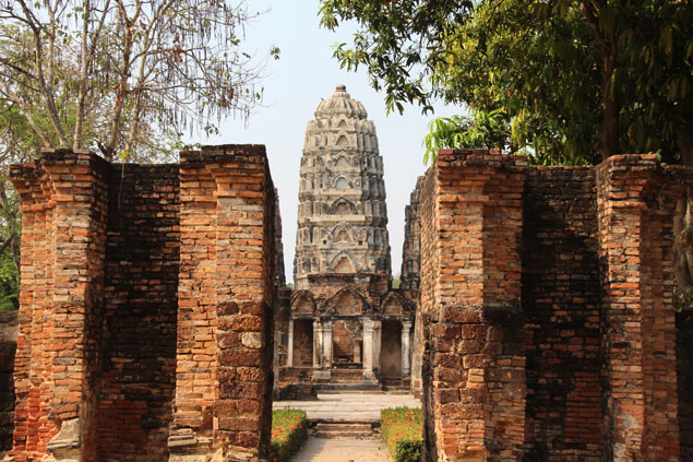 Entrada al Wat Si Sawai