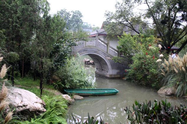 Estanques y flores que ver en Chengdu