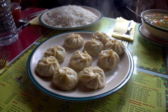 momos vegetales!! Que ver en Darjeeling