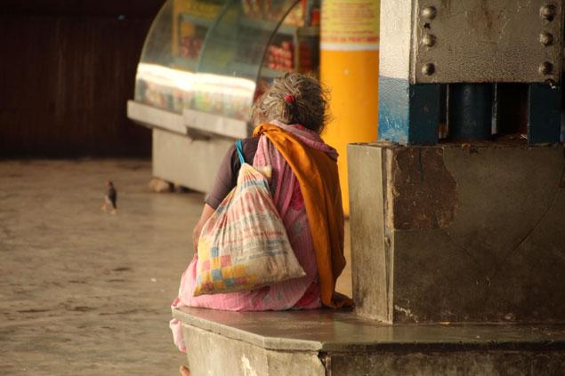 Muchas personas bajo el umbral de la pobreza extrema