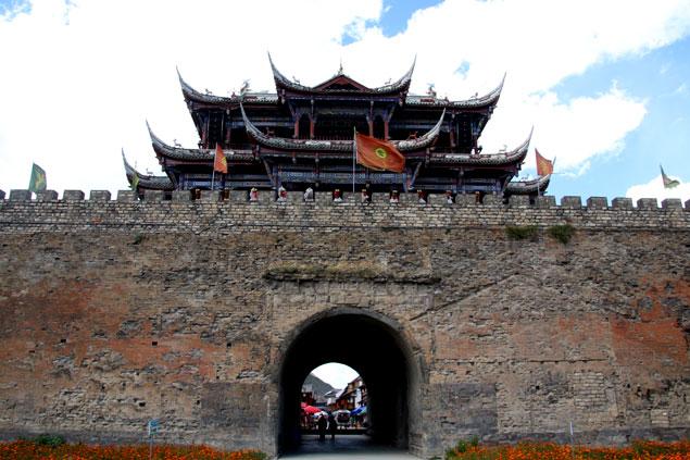 Muralla y puerta que ver en Songpan