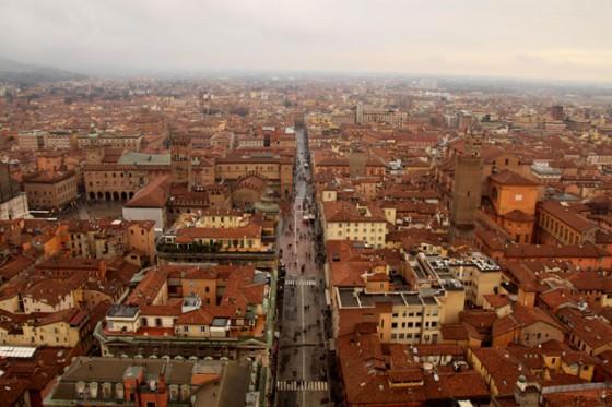 Vista de Bolonia (Viajar en tren por Italia)